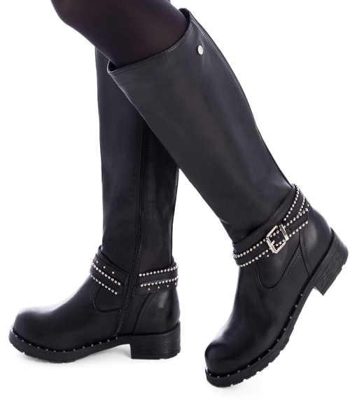 Černé kožené dámské kozačky vhodné i pro širší lýtko