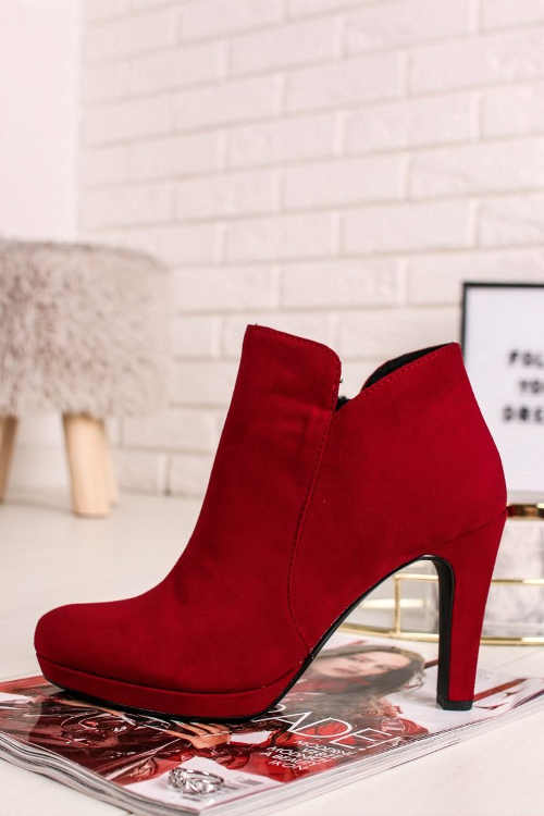 semišové kotníkové boty na podpatku