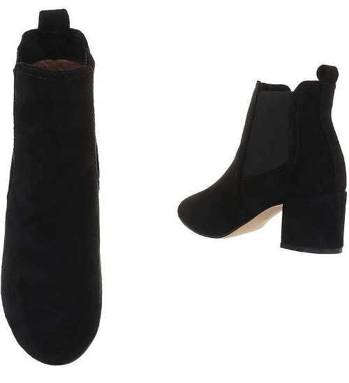 Nízké černé kozačky s pružnou gumou na kotnících
