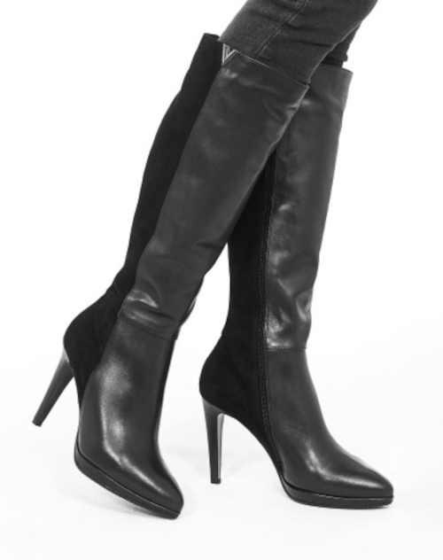 Kožené dámské vysoké kozačky na podpatku
