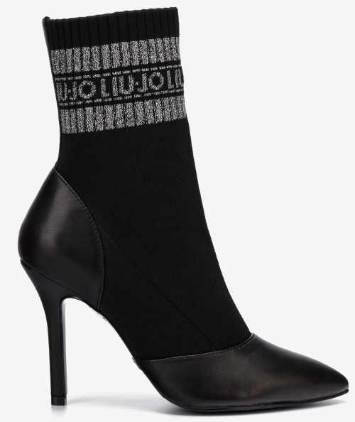 Černé ponožkové dámské kozačky na vysokém jehlovém podpatku